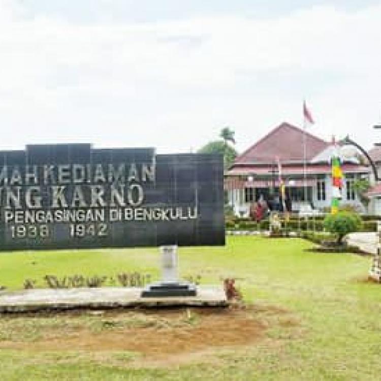 Pesona Rumah Pengasingan Bung Karno di Bengkulu