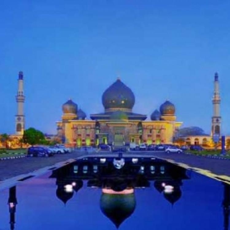 Masjid Agung An-Nur, Pesona Keindahan Taj Mahal di Riau