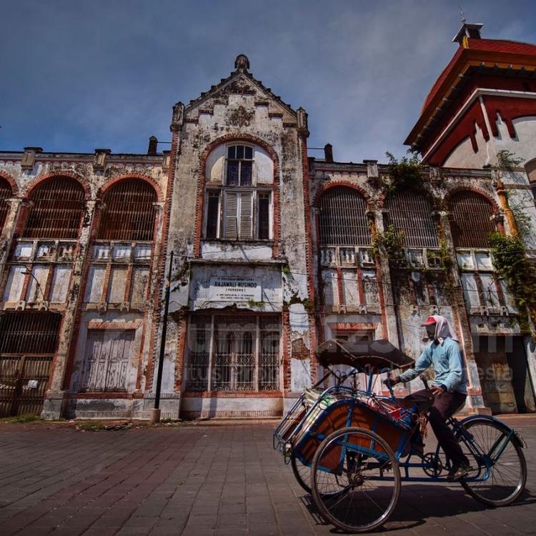 Pesona Jadul Kota Lama Semarang