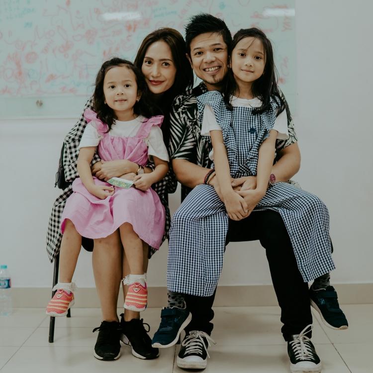 Cinta Kasih Orangtua Bantu Anak Menatap Masa Depan