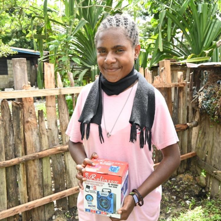 Radio, Solusi Belajar Anak Wamena