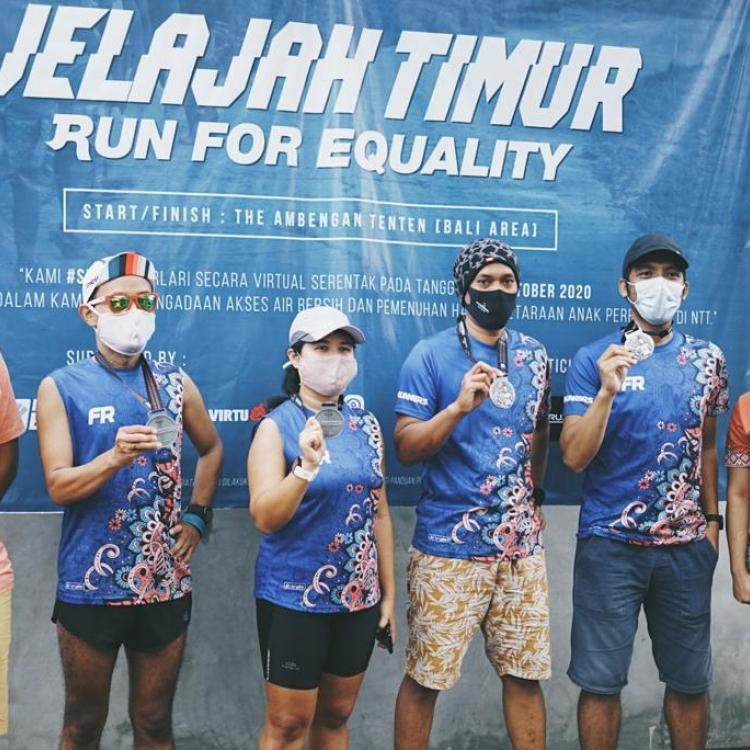 100 Pelari Tempuh 86 KM Melalui 13 Kota Demi Membangun Sarana Air Bersih Di NTT