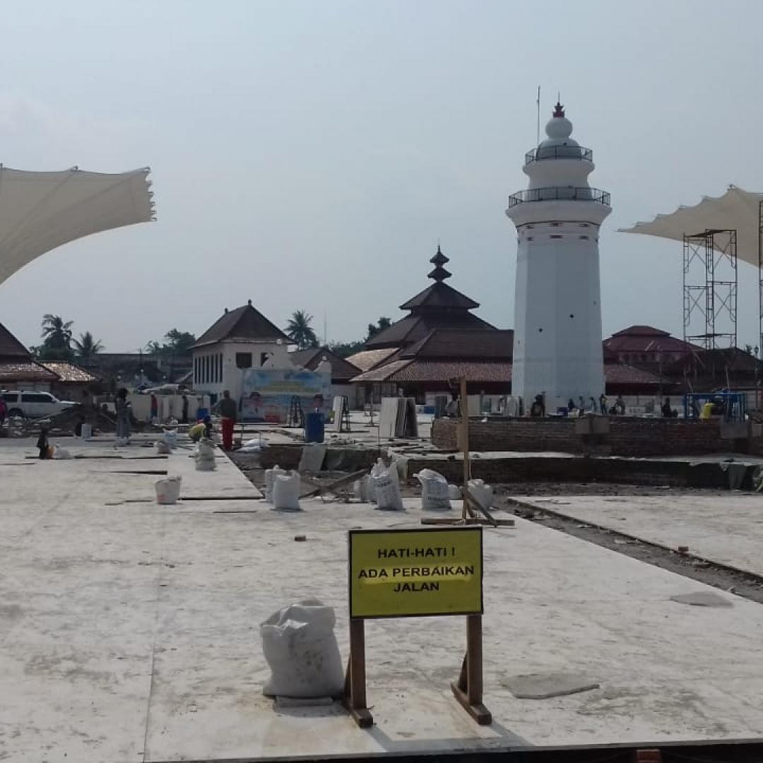 Indahnya Nuansa Masjid Nabawi di Banten Lama