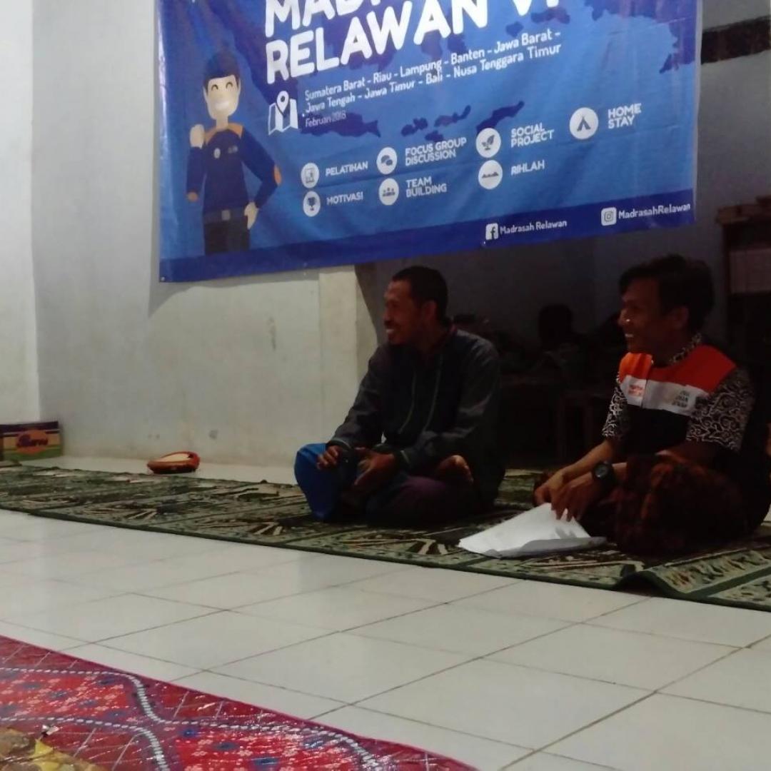 Madrasah Relawan Ulurkan Tangan untuk Bidang Kemanusiaan