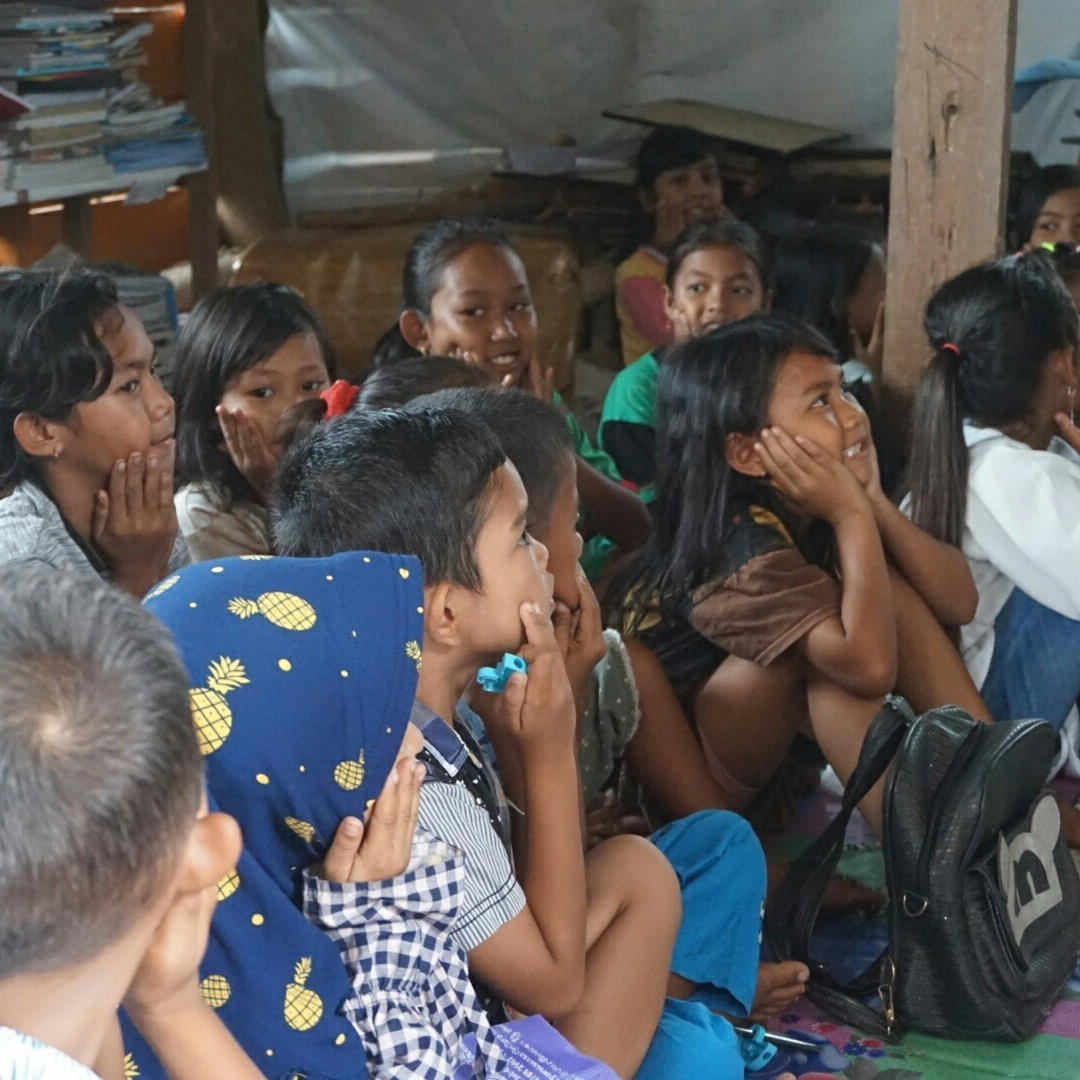 Komunitas Ini Berikan Pendidikan untuk Masyarakat Pedalaman