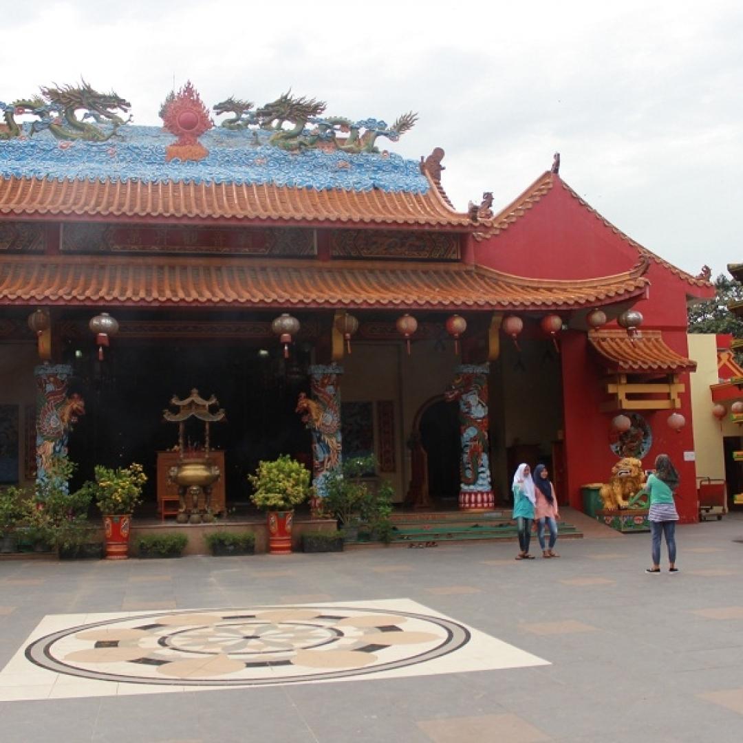 Rayakan Imlek di Vihara Avalokitesvara, Cagar Alam Tertua di Banten