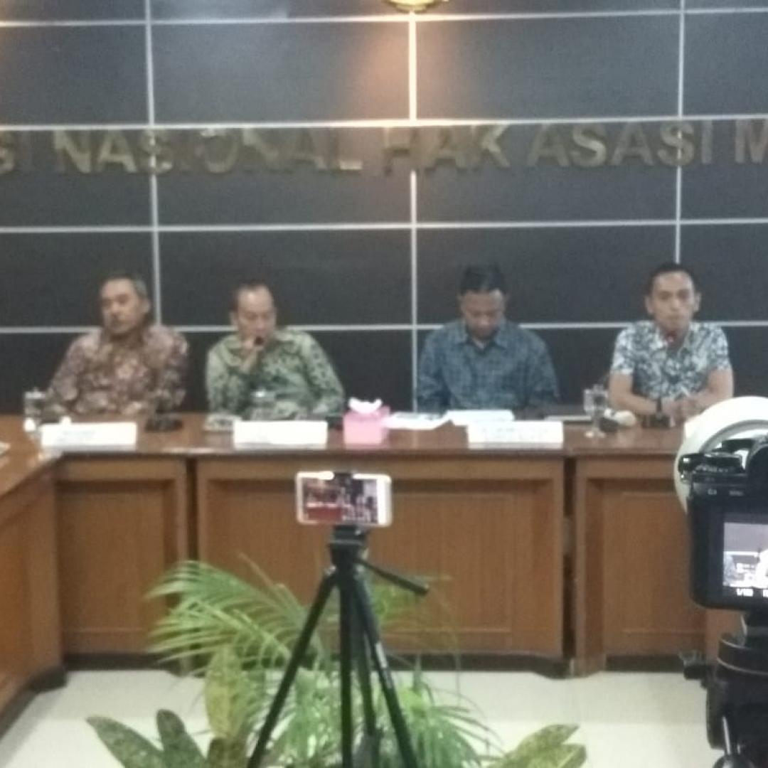 Menakar Peran TNI di Masyarakat