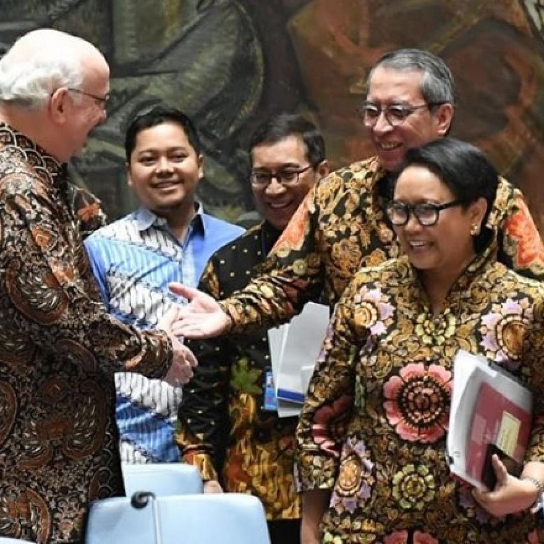 Penghormatan untuk Indonesia, DK PBB Rapat Pakai Batik