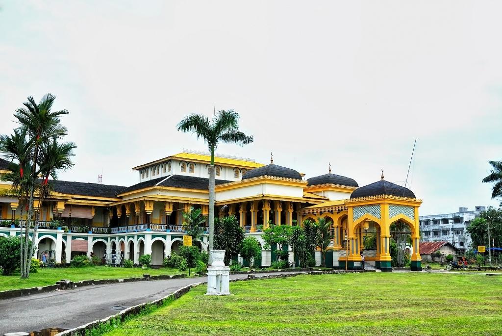 Berwisata ke tempat bersejarah di Sumatera Utara