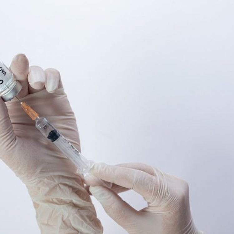 Efektif Melawan Covid-19, Pemerintah Rencanakan Vaksinasi Booster